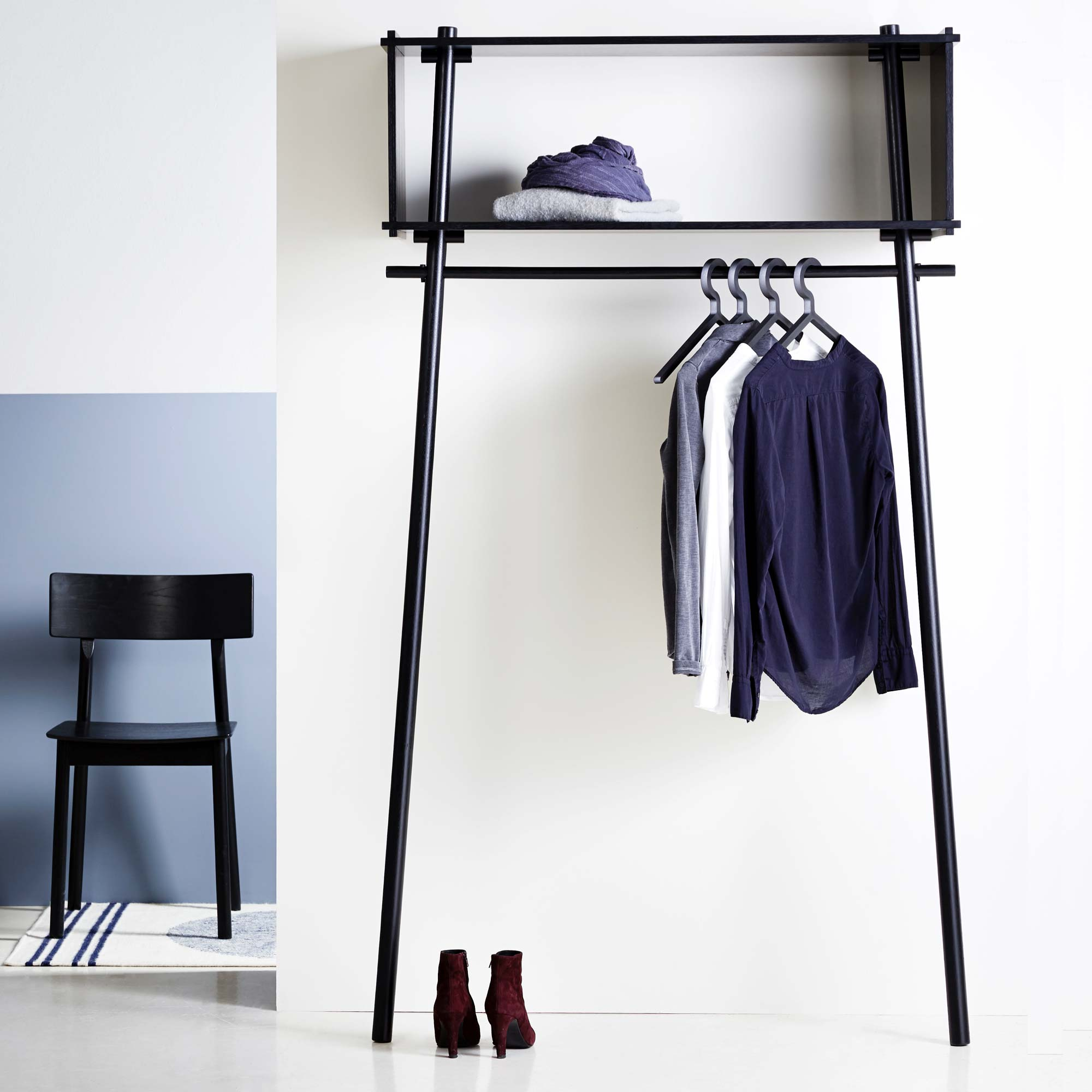 etagere avec portant vetements. Black Bedroom Furniture Sets. Home Design Ideas
