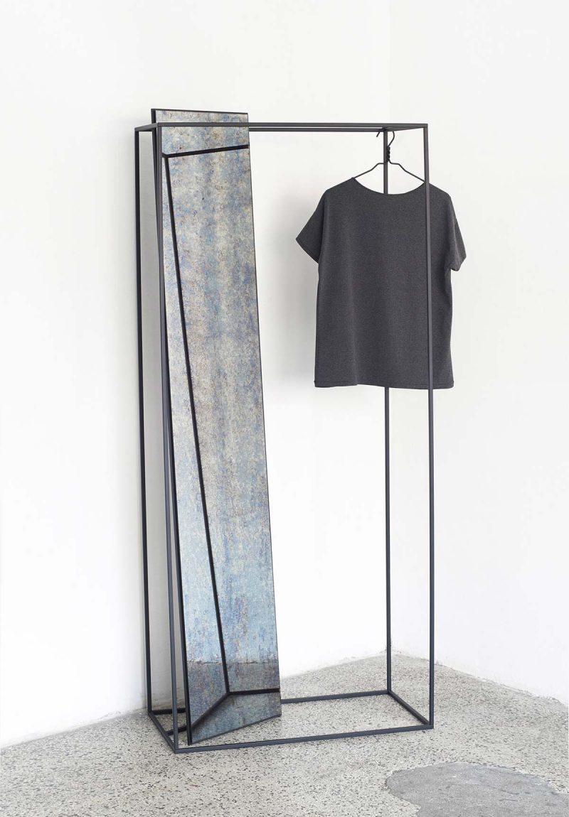 Portant design avec miroir par Pulpo