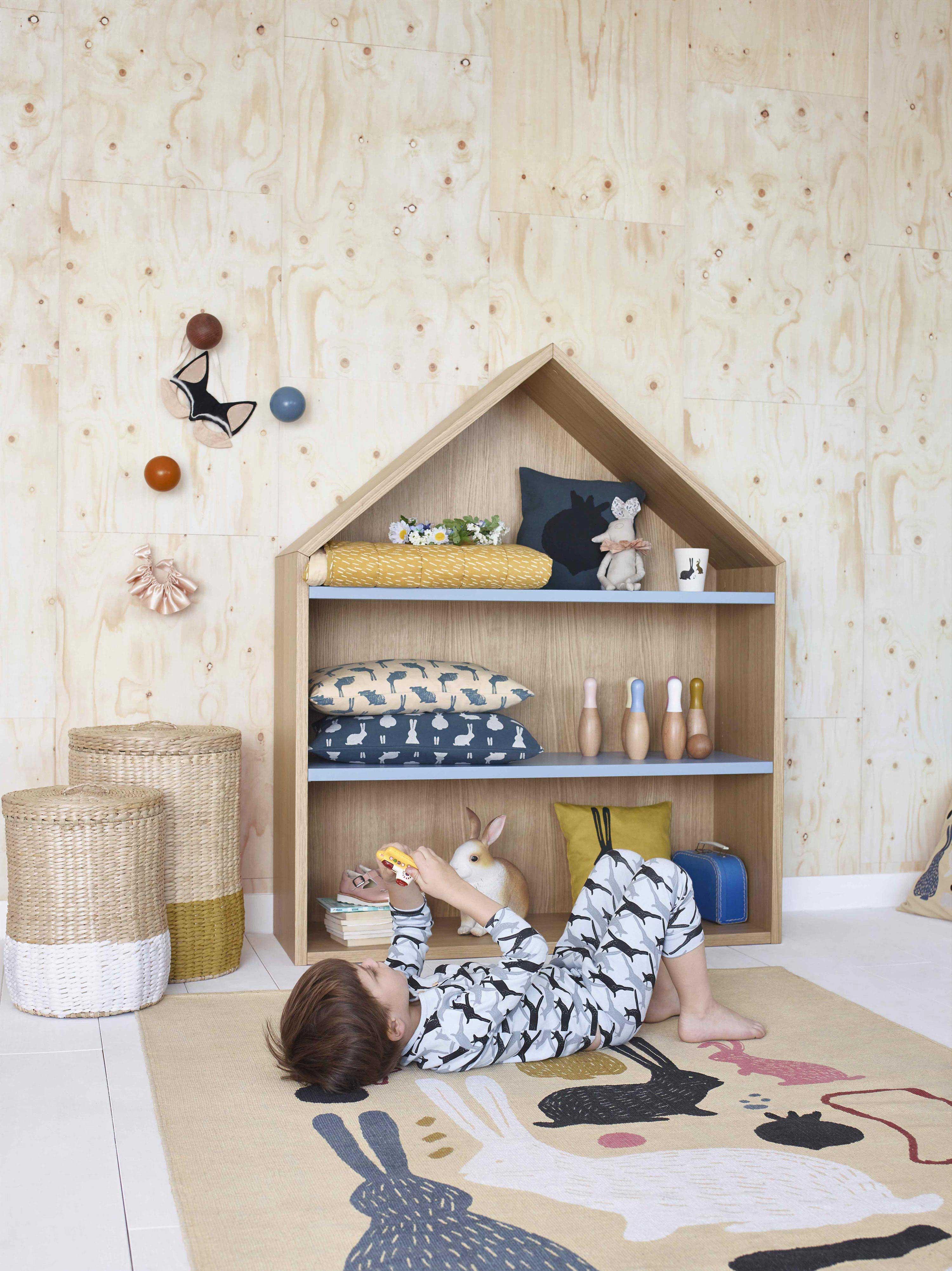 Etagere maison pour chambre d enfant