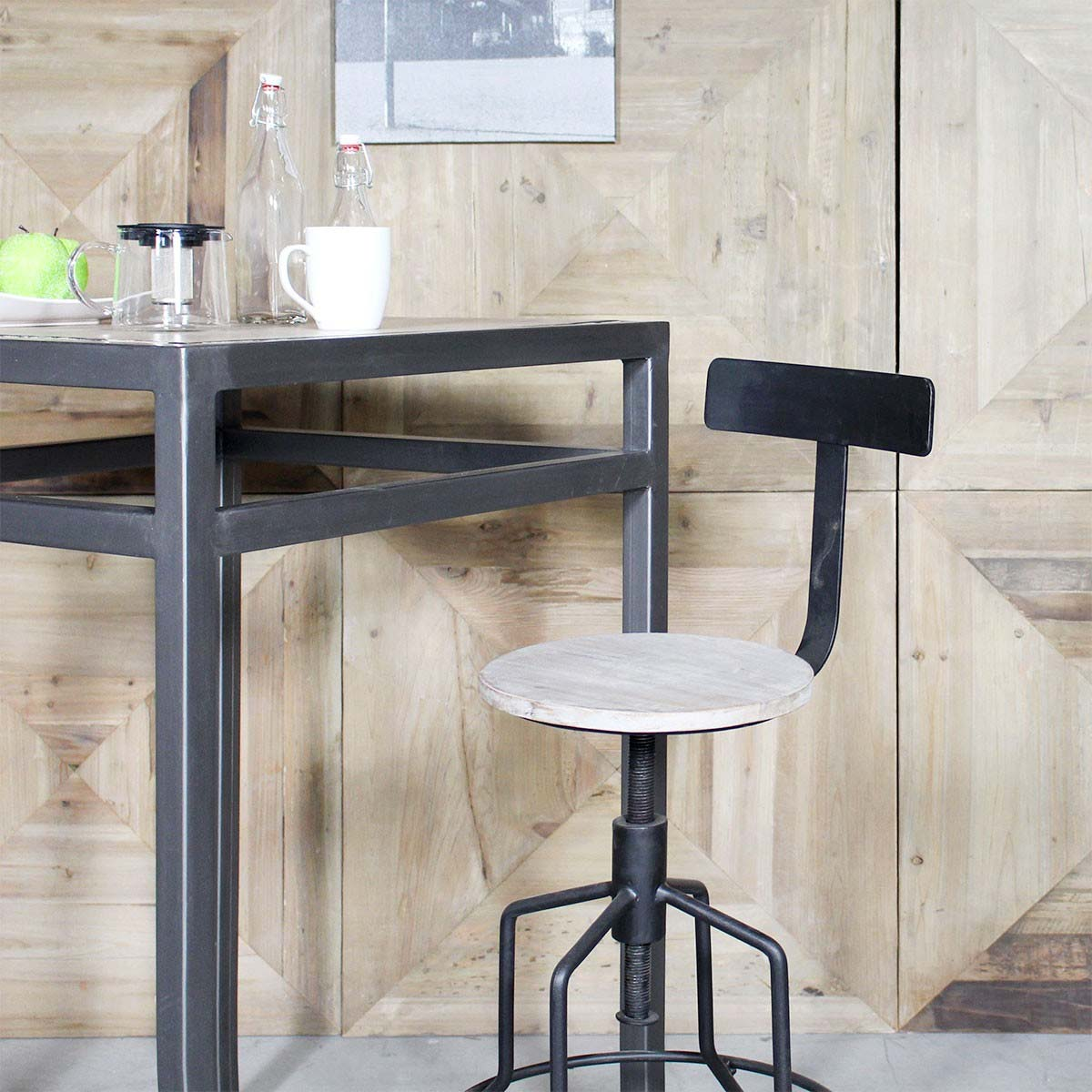 tabouret de bar industriel avec dossier. Black Bedroom Furniture Sets. Home Design Ideas