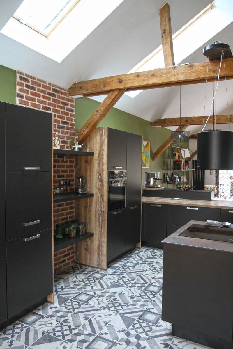 cuisine ixina dans un loft au mans. Black Bedroom Furniture Sets. Home Design Ideas