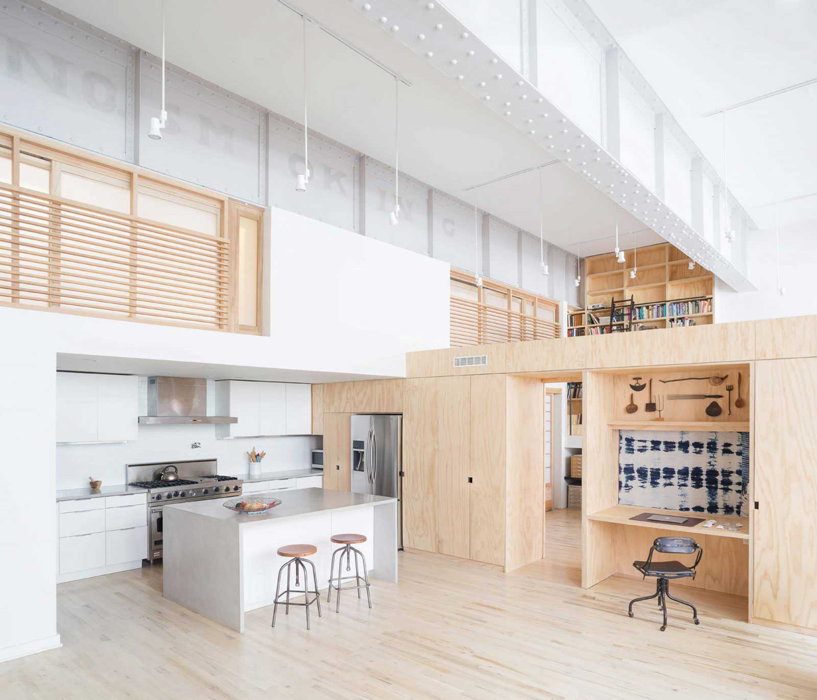 Wells fargo loft par jeff jordan architects - La residence kitchel par boora architects ...