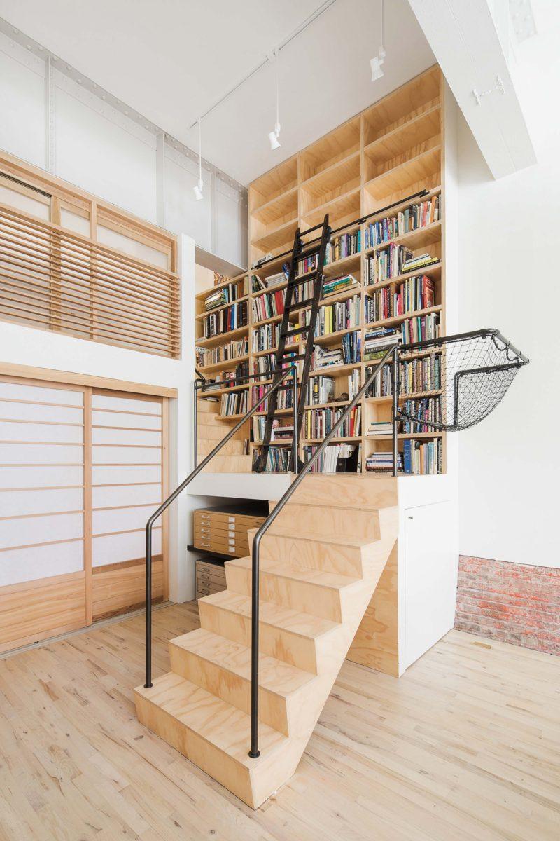 Escalier en contreplaqué