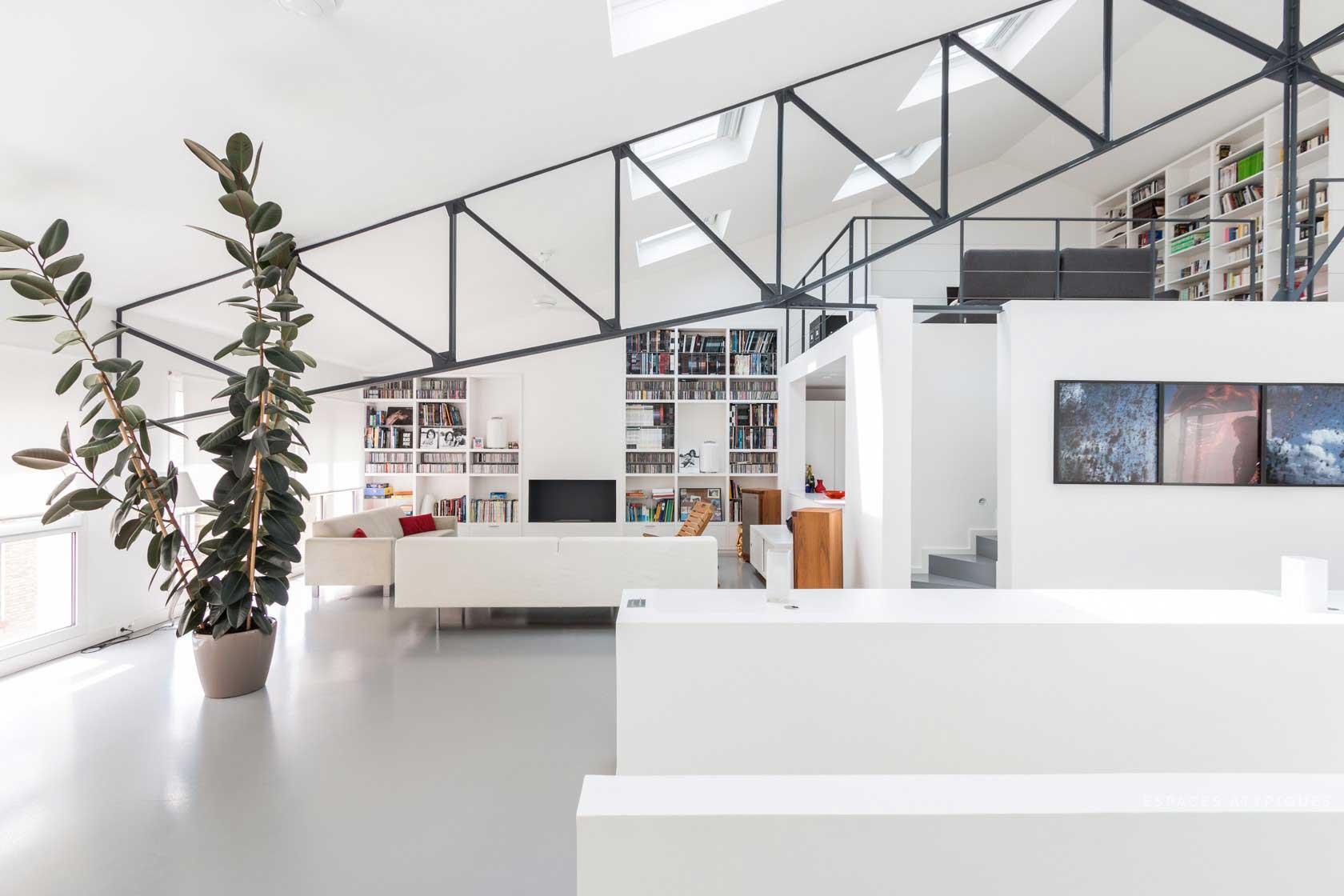 loft dans une ancienne usine malakoff. Black Bedroom Furniture Sets. Home Design Ideas