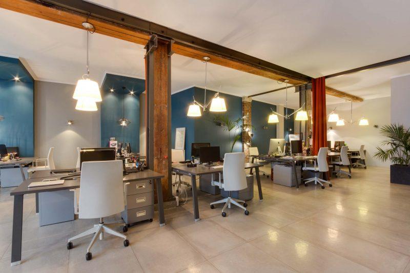bureaux dans une ancienne manufacture parisienne par baldini architecture. Black Bedroom Furniture Sets. Home Design Ideas
