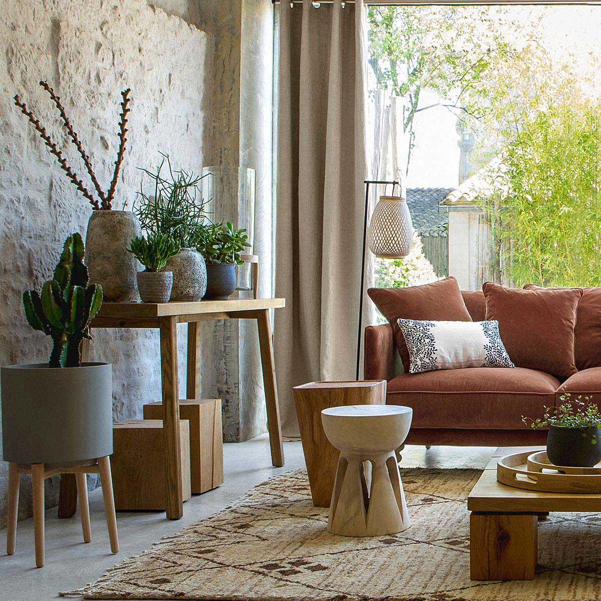 cache pot sur pied gris. Black Bedroom Furniture Sets. Home Design Ideas