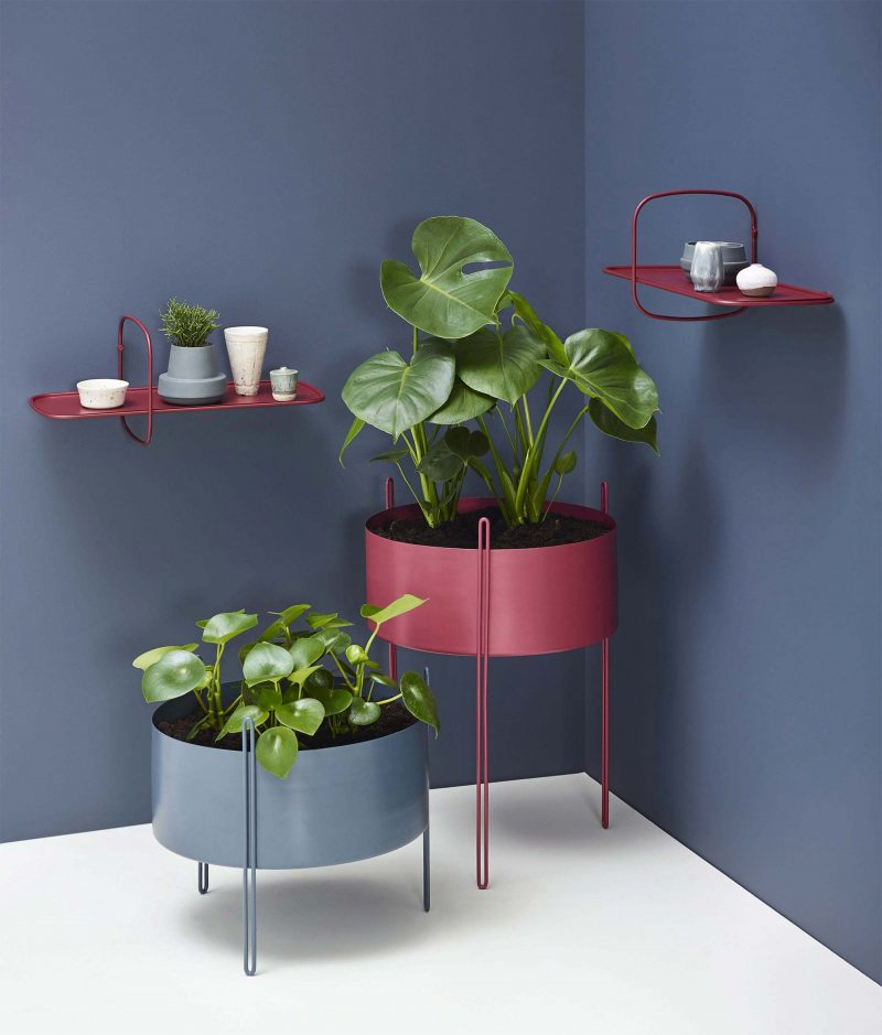 cache pot sur pied et support pour plante 19 id es d co pour v g taux. Black Bedroom Furniture Sets. Home Design Ideas