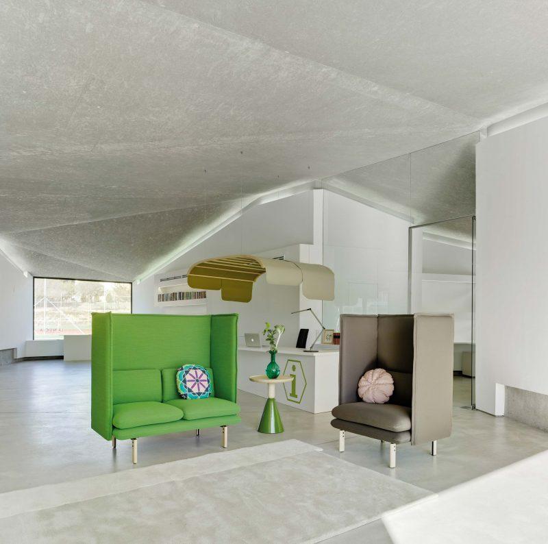 Canapé vert montant