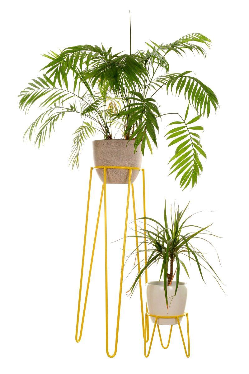 Support pour plantes en métal jaune