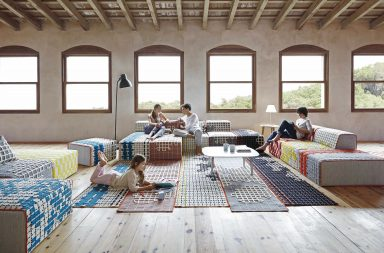 Bandas, système modulaire de tapis et canapé par Gan