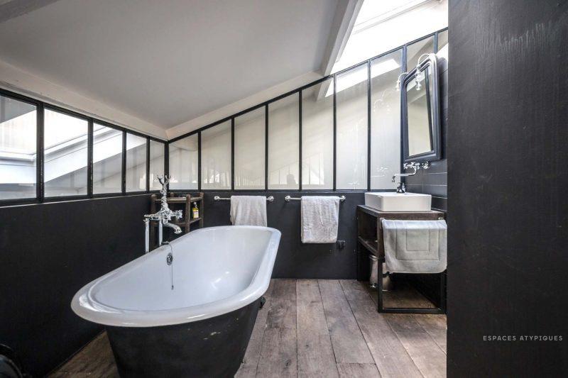 loft esprit industriel montreuil. Black Bedroom Furniture Sets. Home Design Ideas