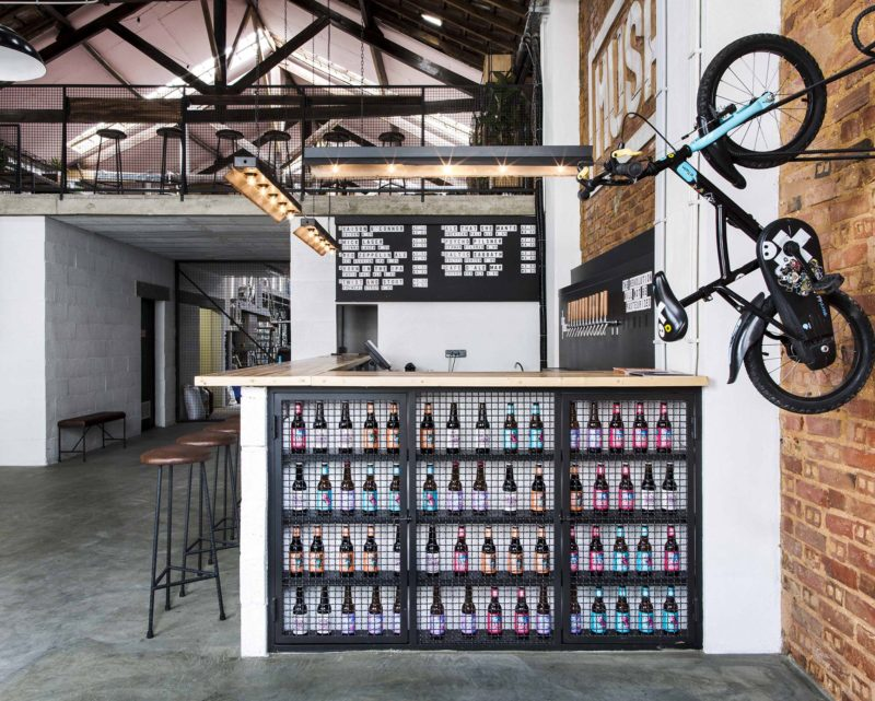 Un entrepôt transformé en brasserie à Lisbonne