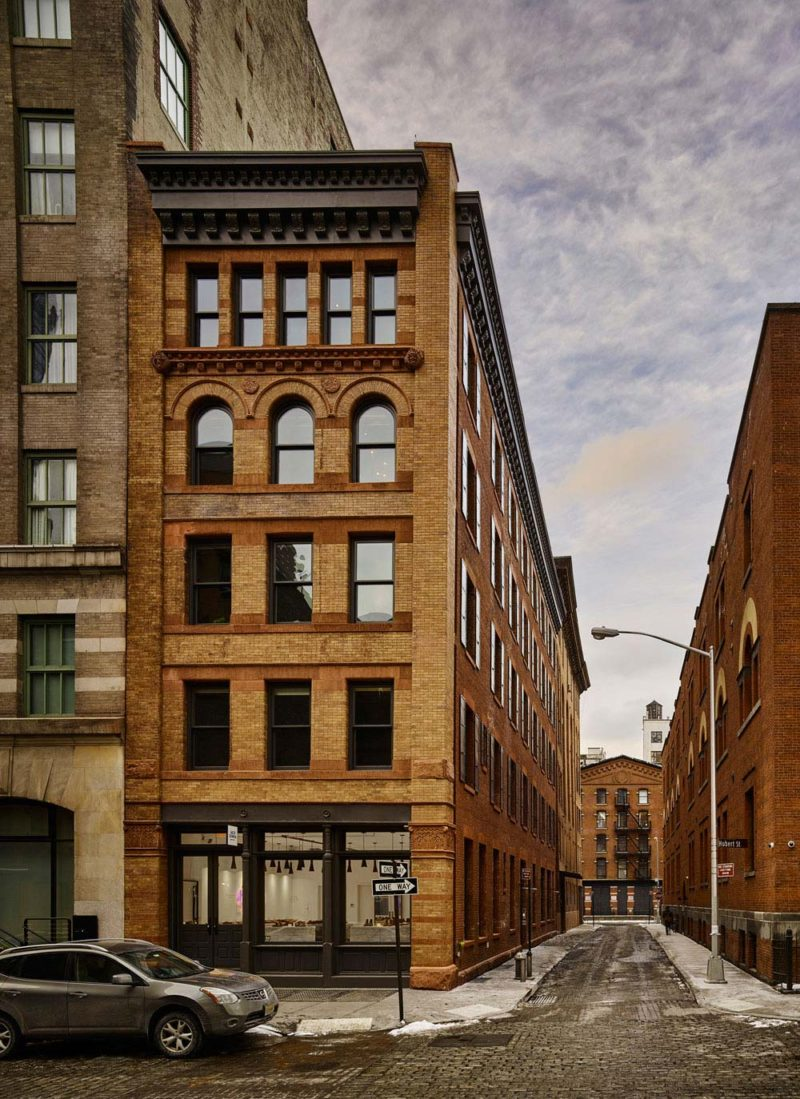 loft industriel new york. Black Bedroom Furniture Sets. Home Design Ideas
