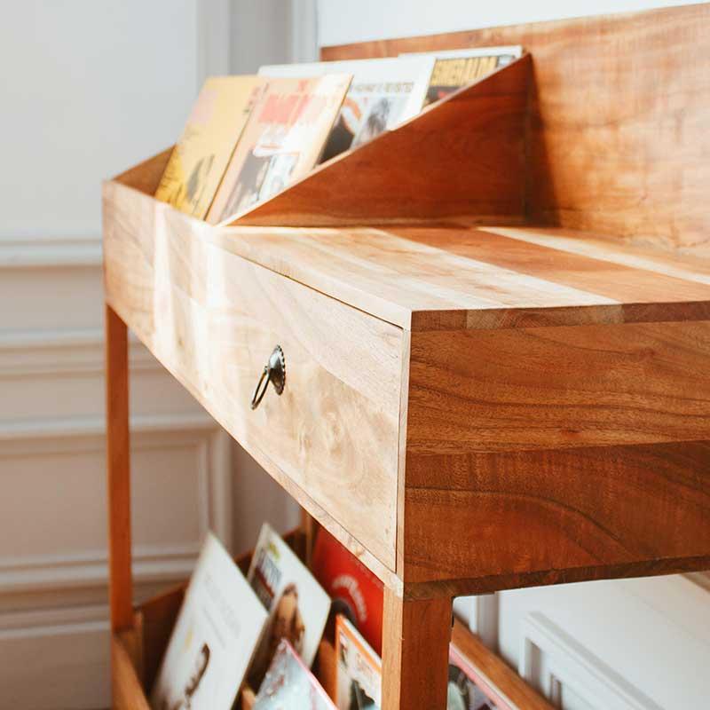 Meuble pour disques en bois avec tiroir