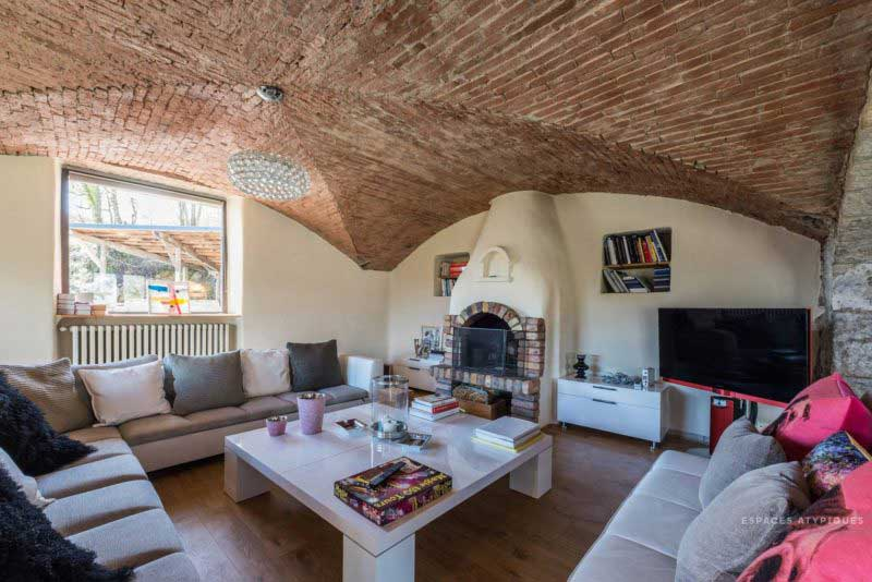 Ferme en pierre transformée en loft à Chambéry