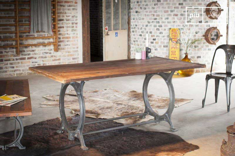 Table industrielle en teck ancien