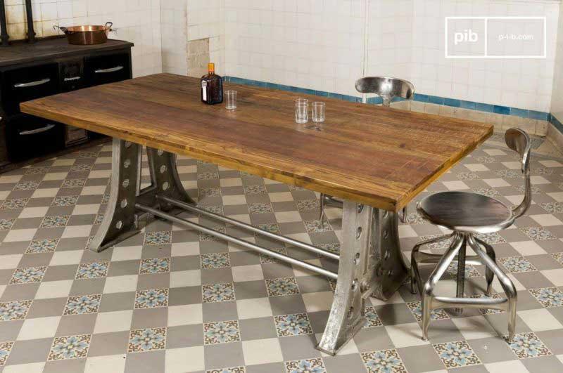 Table industrielle avec pieds en acier