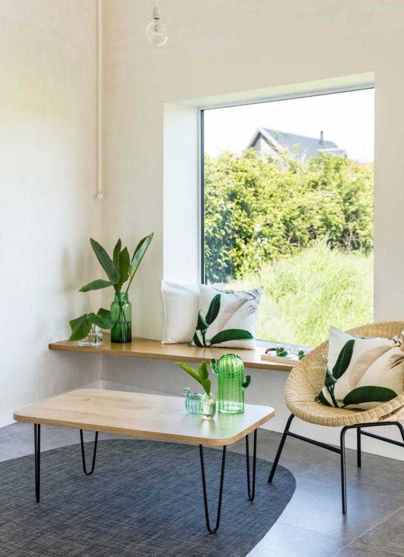 Junddo x Ripaton : tables en chêne avec pieds en acier