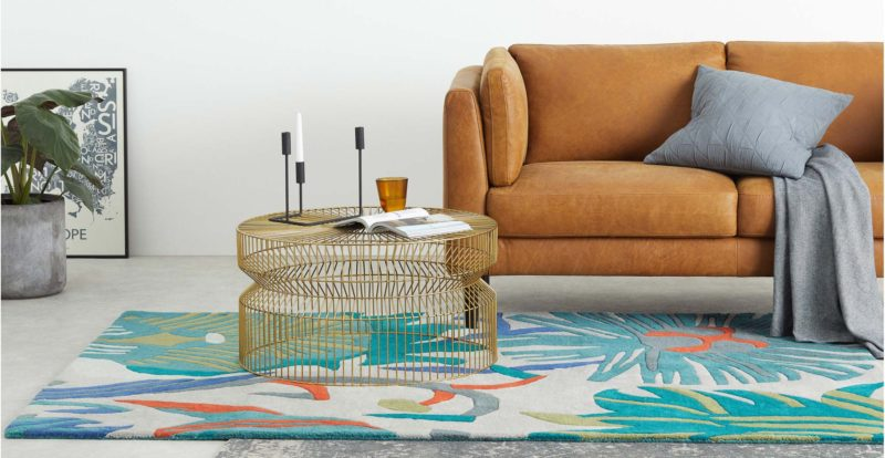 Table basse made en fil de fer dore en soldes