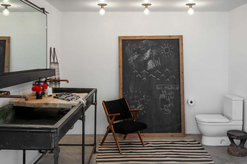 Meuble de salle de bains industriel en tuyaux
