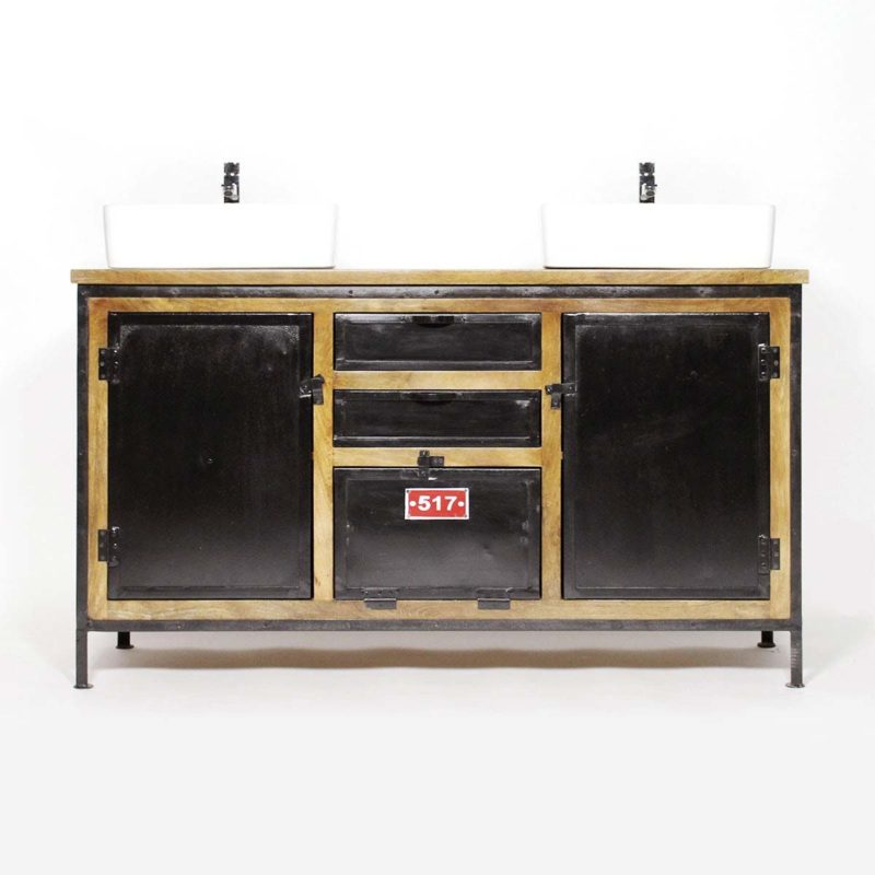 11 meubles industriels pour la salle de bains. Black Bedroom Furniture Sets. Home Design Ideas