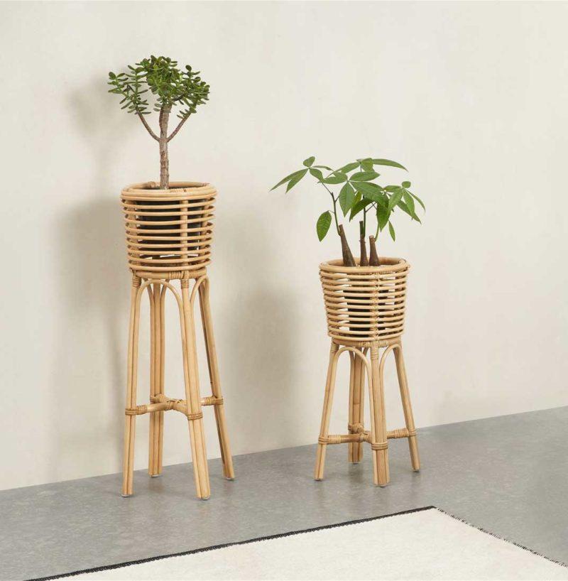Support plante en rotin naturel