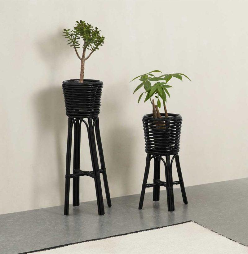Support plante en rotin noir