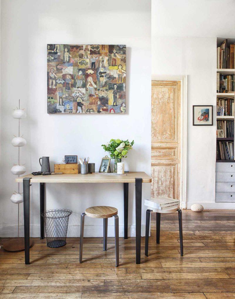 Plateau en bois et pieds de bureau en acier