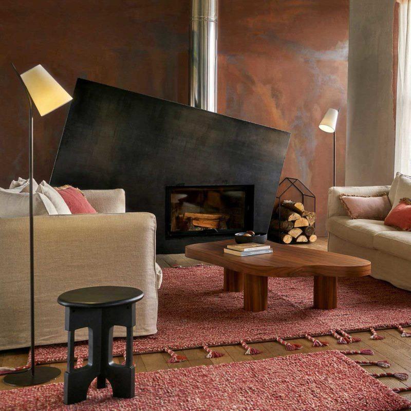 Range bûches en métal en forme de maison
