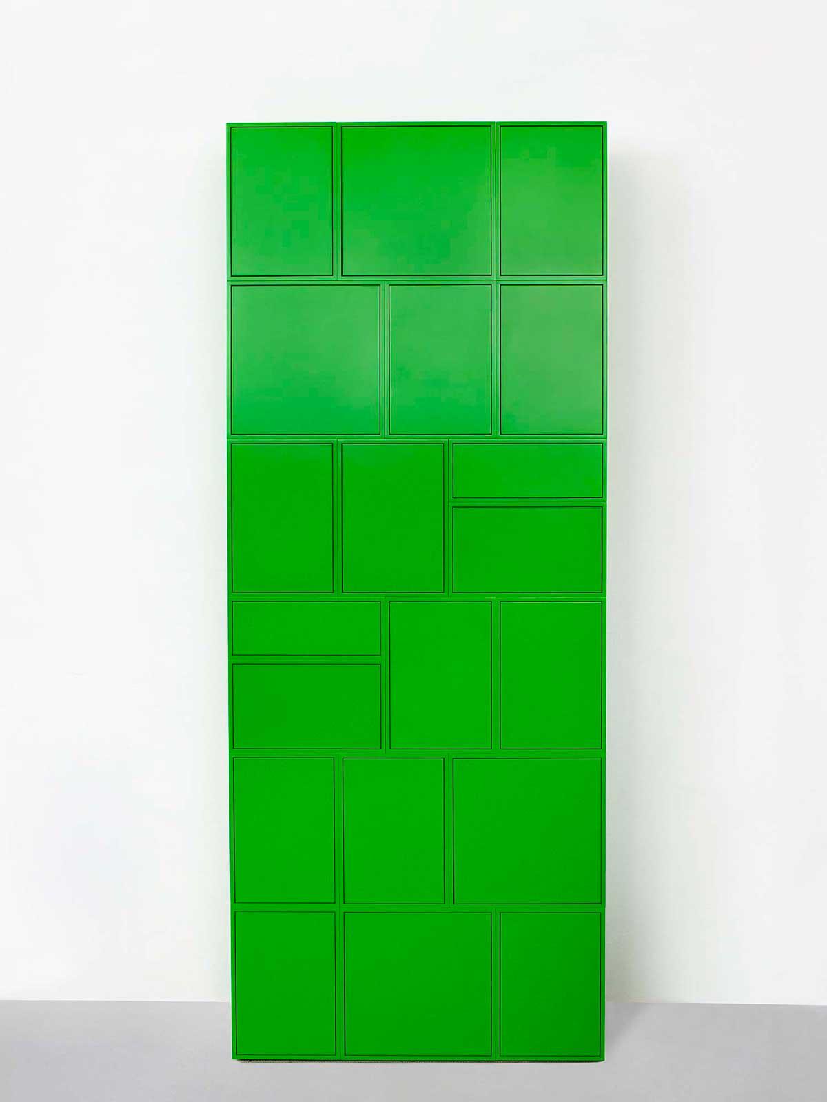 Étagère verte entièrement fermée avec portes et tiroirs