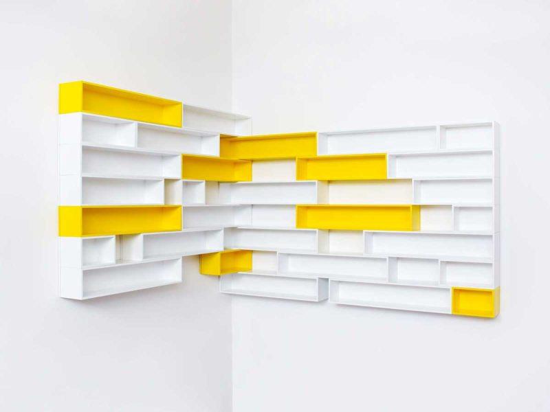 Etagere cube murale d'angle blanche et jaune