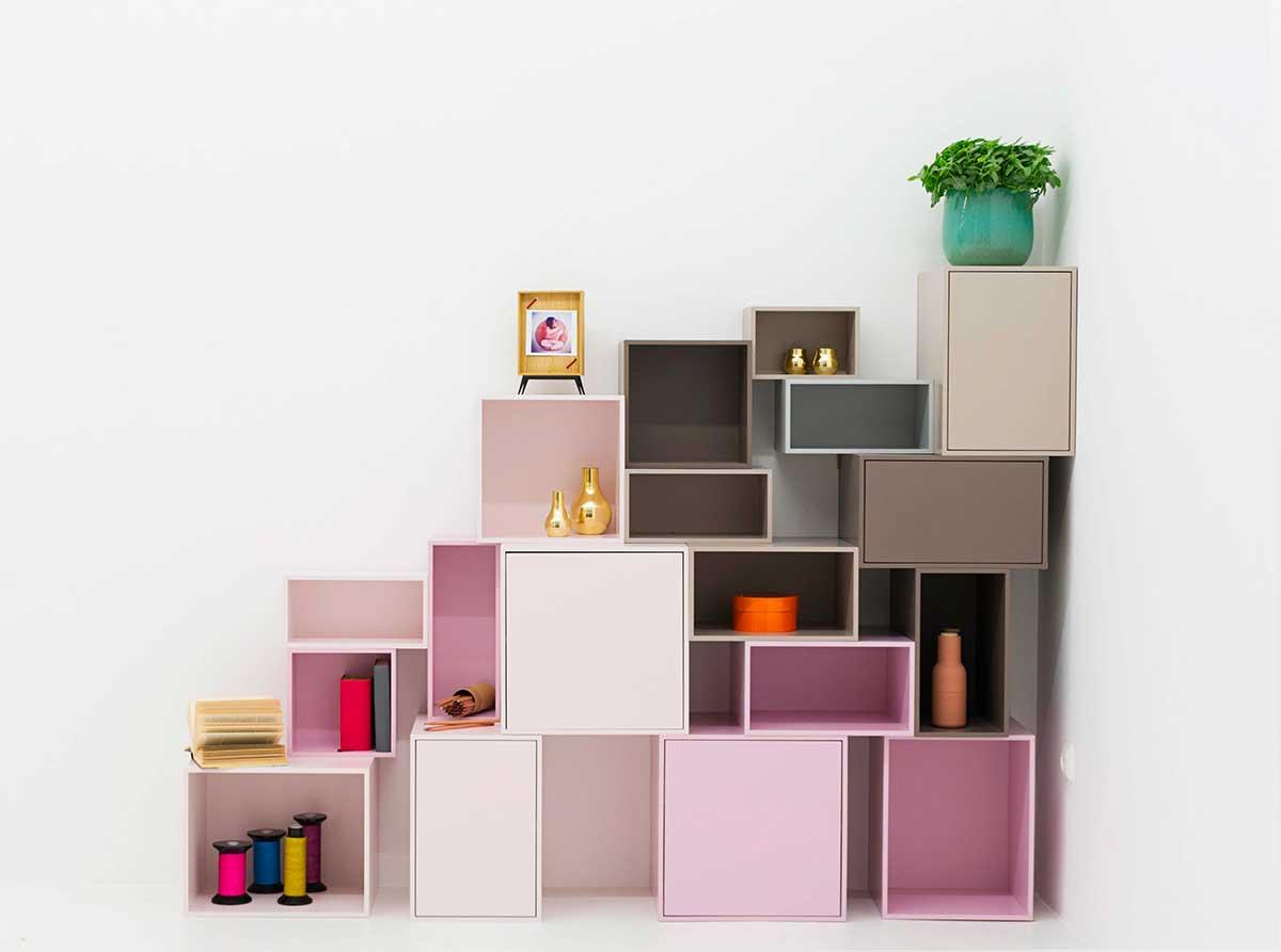 Étagère cube pour aménager sous un escalier ou combles en sous pente