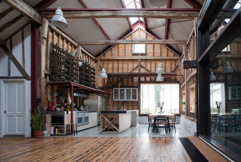 Loft dans une grange par Liddicoat & Goldhill