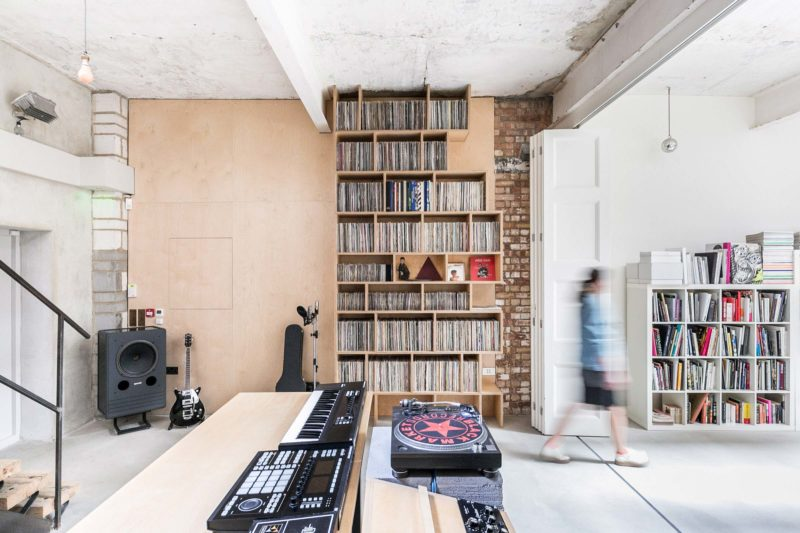 Etagere en contreplaque pour disques vinyles