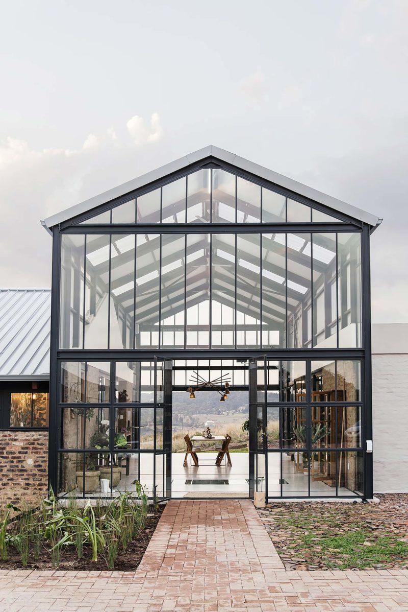 Maison avec façade entièrement vitrée
