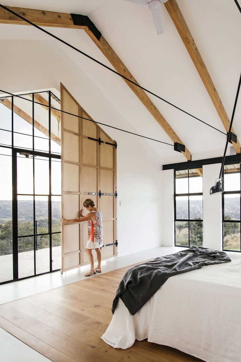 Chambre avec verrière en métal