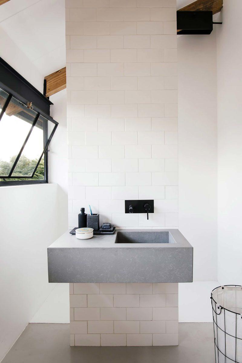 Vasque de salle de bains en béton
