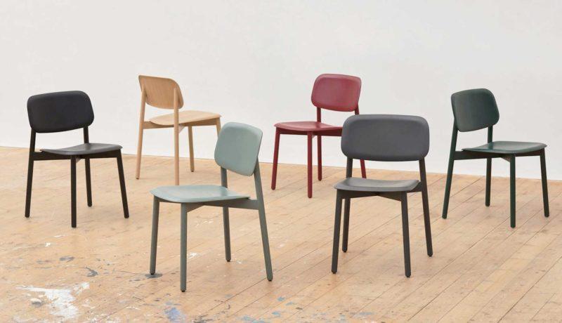Chaise scandinave colorée au design moderne