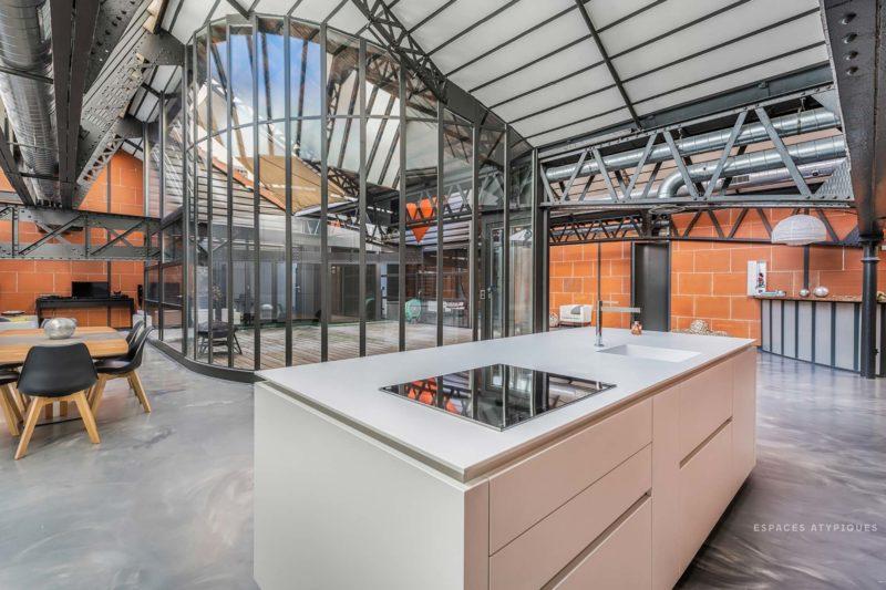 Loft industriel à Lyon avec patio central