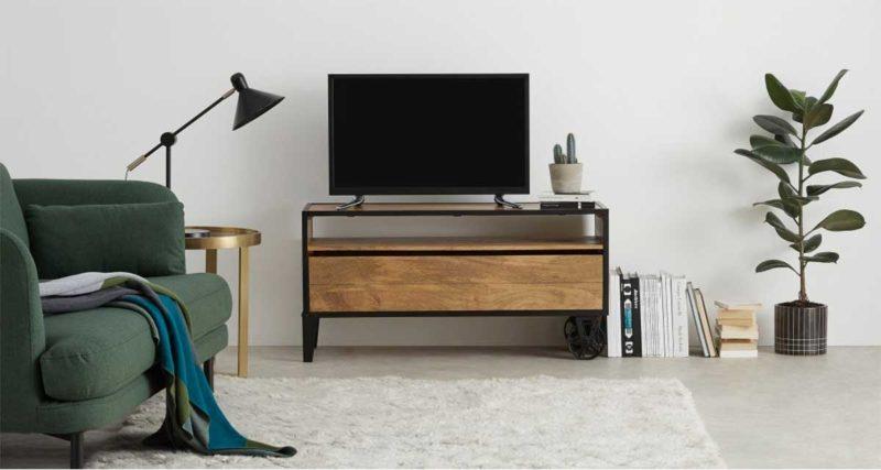 Meuble tv industriel avec roulettes