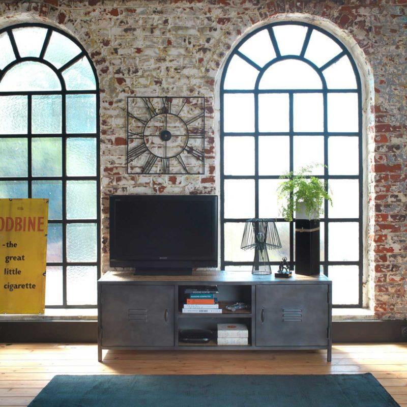 Meuble TV industriel en métal avec portes vestiaire