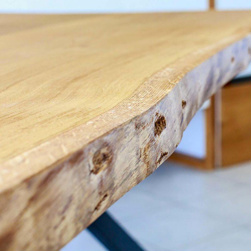 Table avec tranche brute