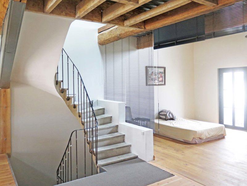 Maison loft en auto construction