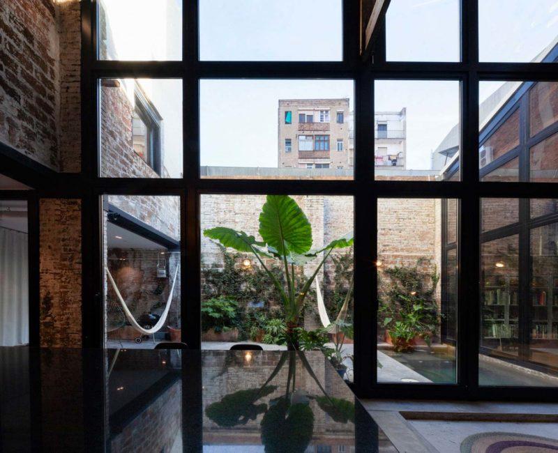 Baie vitrée style usine