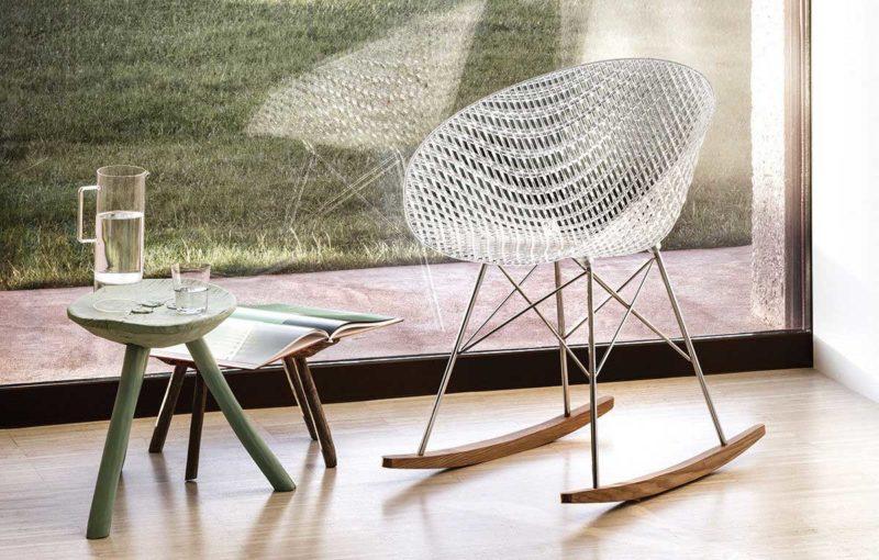 Chaise à bascule au design moderne