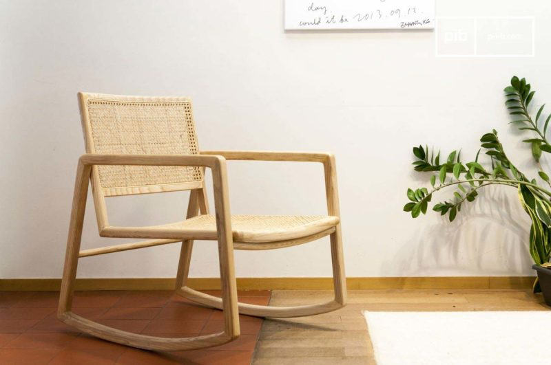 Rocking chair avec cannage