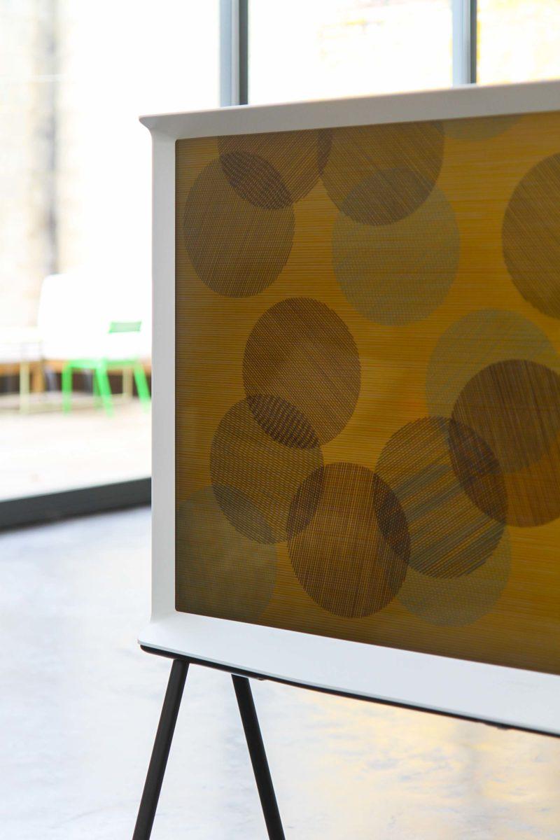 TV design The Serif par Samsung