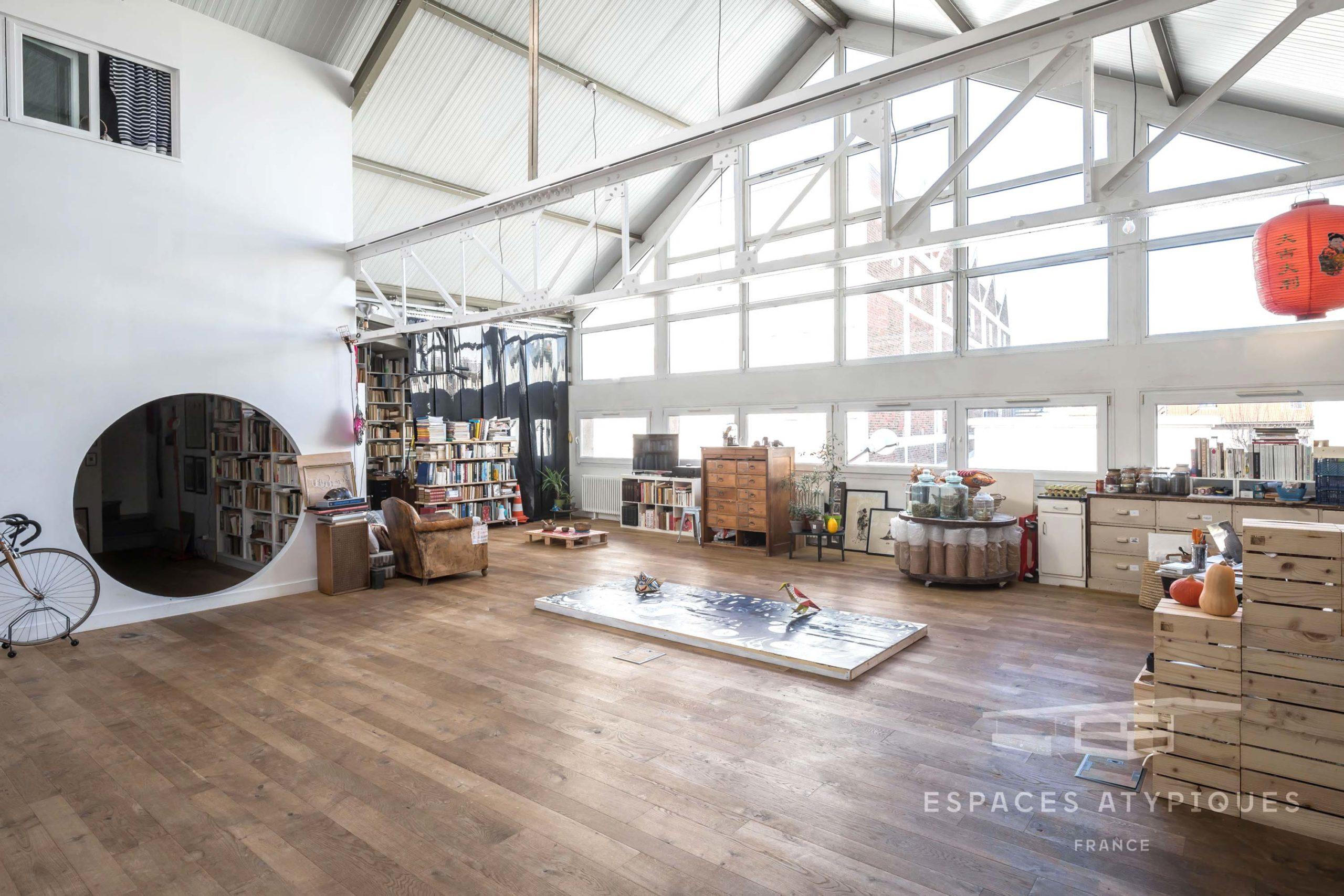 Loft industriel avec une âme d'artiste à Montreuil
