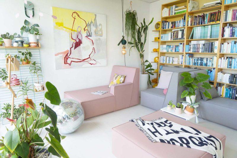 Canapé design gris et rose
