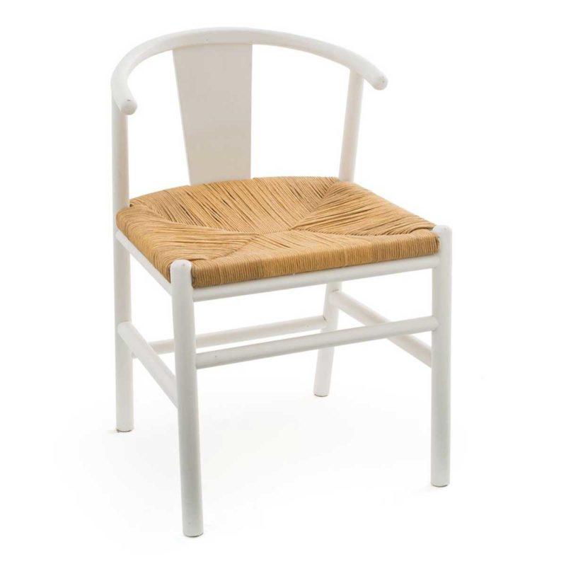 Chaise blanche en bois avec assise paille